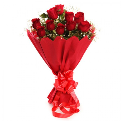 Paper Packing Bunch of 10 Red Roses