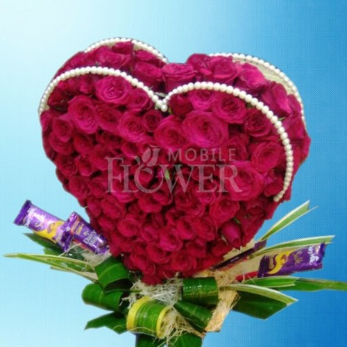 50 roses heart shape arrangement / mobile flower pune