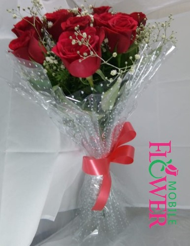 12 Red roses bunch by mobile flower pune