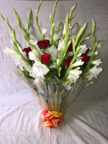 Trusted flowers delivery in ahmedabad samday and midnight flowers love at first sight izmirmasajfo