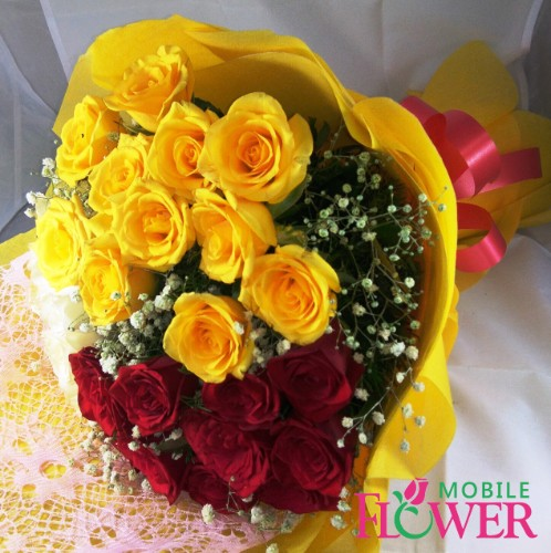 20 Red n yellow roses bunch by mobile flower  pune