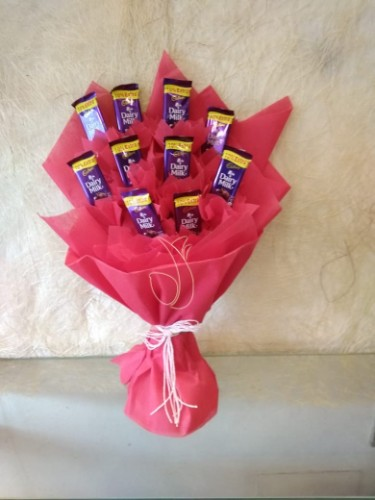 10 dairy milk bunch by by mobile flower pune florist in pune cake maker in pune