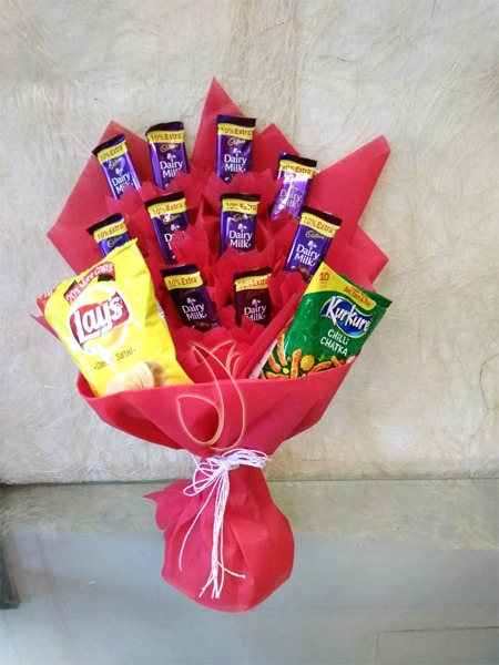chocolate n namkeen bunch by mobile flower pune florist in pune cake maker in pune