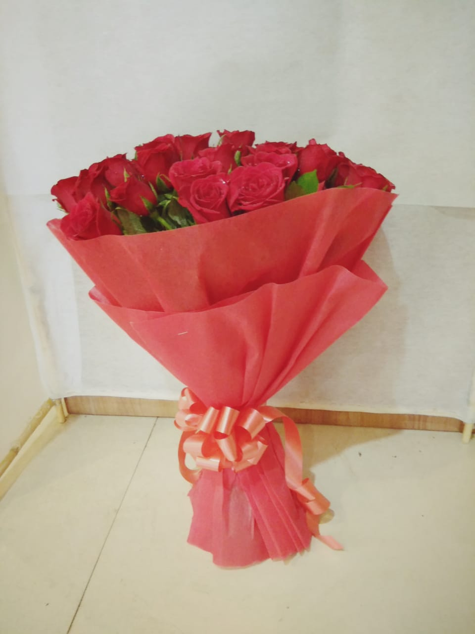 16 red roses bunch