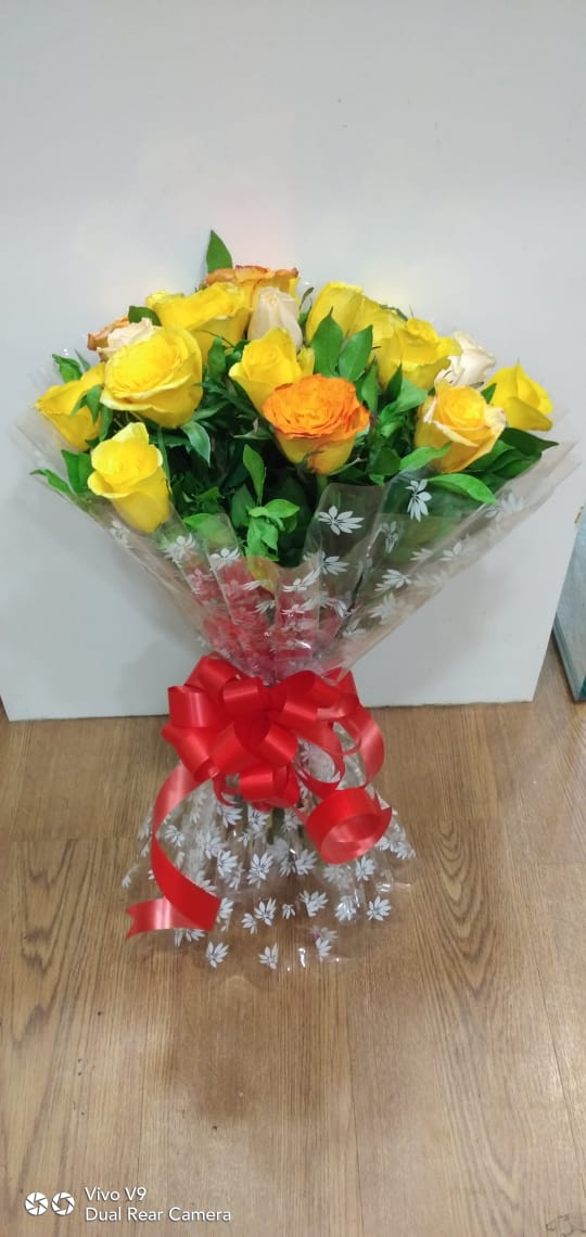 20 yellow  roses  bunch/ just flowers ahmednagar