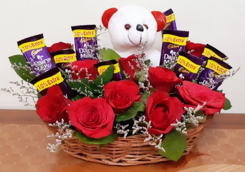 COMBO GIFT HAMPER OF ROSES, CHOCOLATE N TEDDY