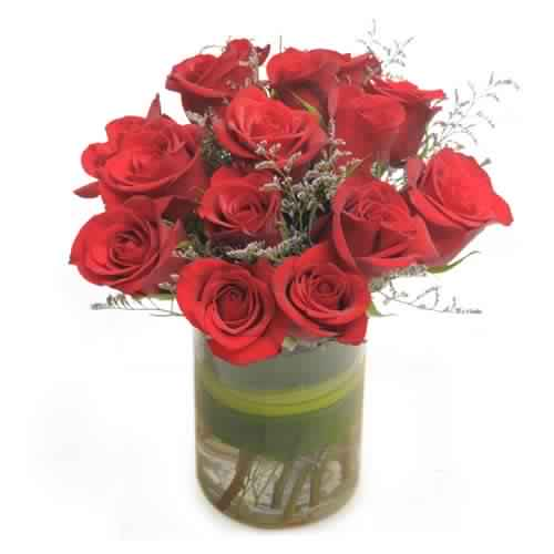 Bunch of 12 Red Roses in a vase