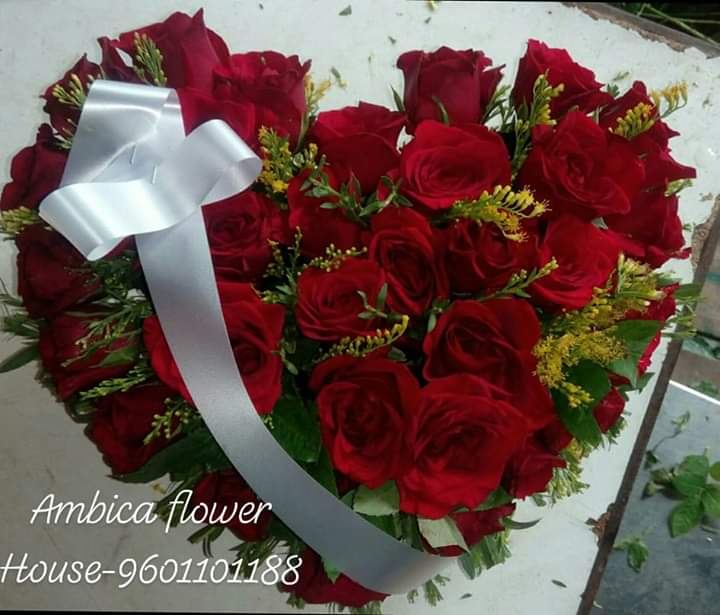 Heart shaped Red Roses