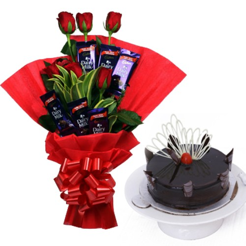 Bunch of 8 Red Roses with 6 Chocolate and 1/2kg Cake